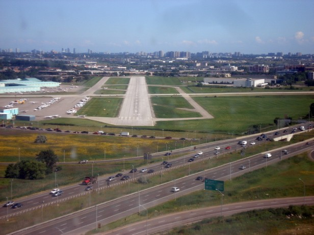 Runway 15 Short-Final