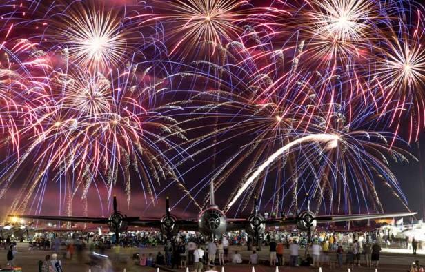 oshkosh_fireworks